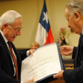 Premio Nacional de Medicina Año 2016 - Dr. Manuel García de los Ríos - Medicina interna